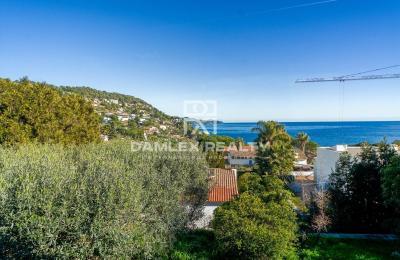 Villa d architecte avec vues imprenables sur la Méditerranée