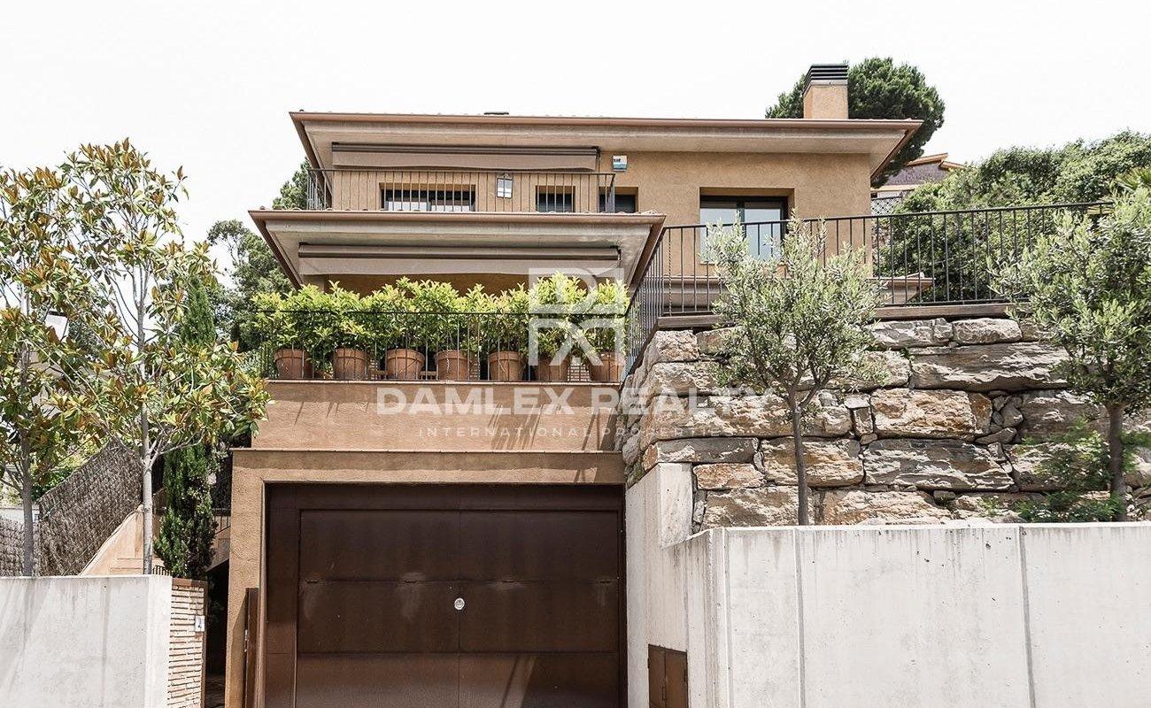 Maison moderne avec vues mer splendides
