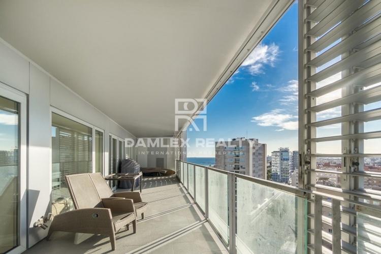 Appartement avec vue panoramique sur la mer et Barcelone