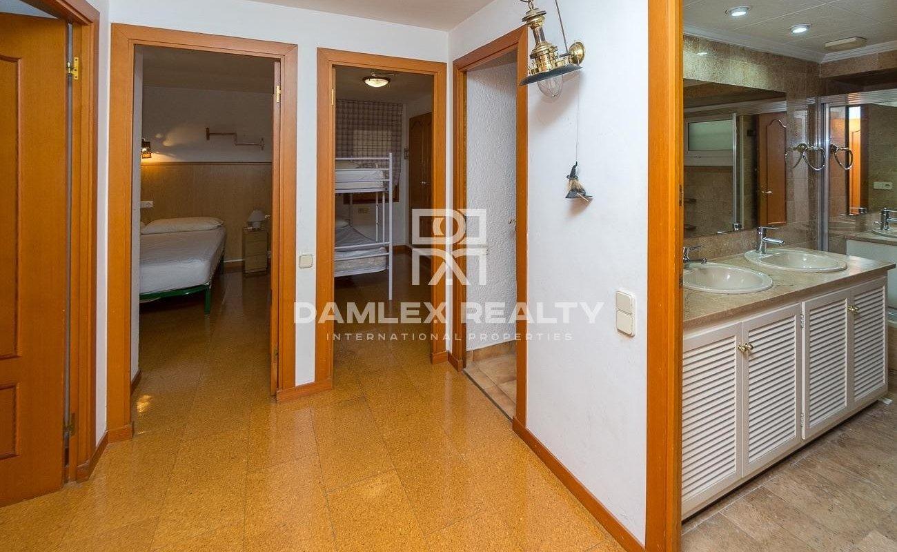 Maison dans l`urbanisation Santa Maria de Llorell avec plage privée