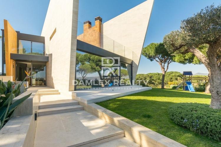 Villa d exception sur les hauteurs de San Feliu de Guixols