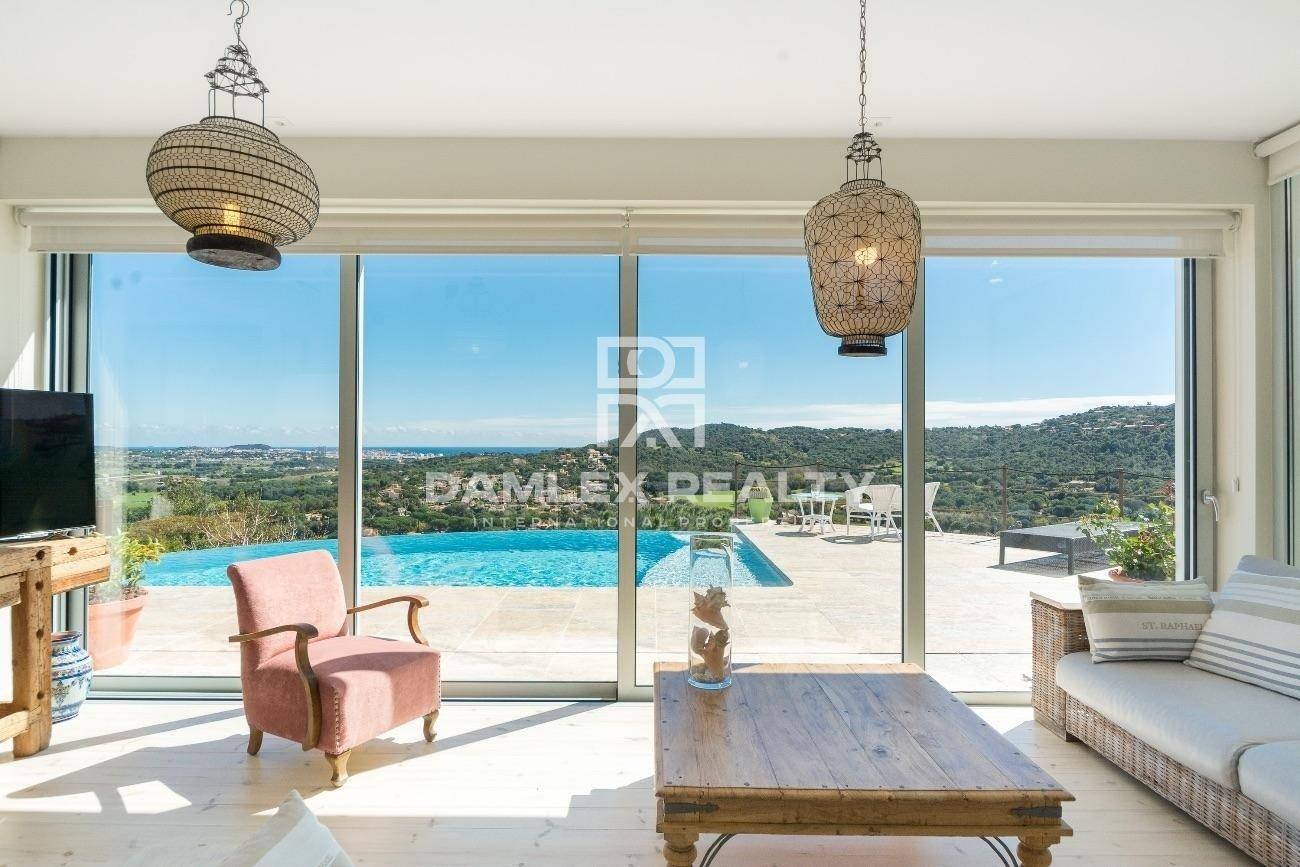 Magnifique villa contemporaine avec vue panoramique sur la baie de Palamos
