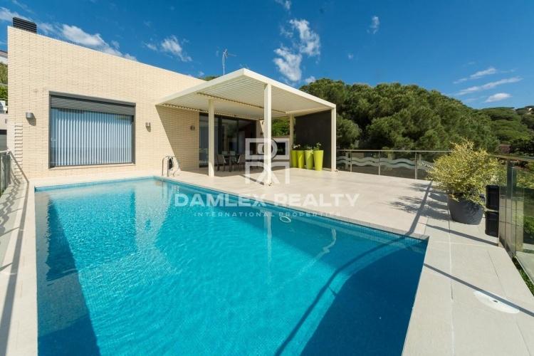 Superbe maison contemporaine à deux pas de la plage Sant Pol