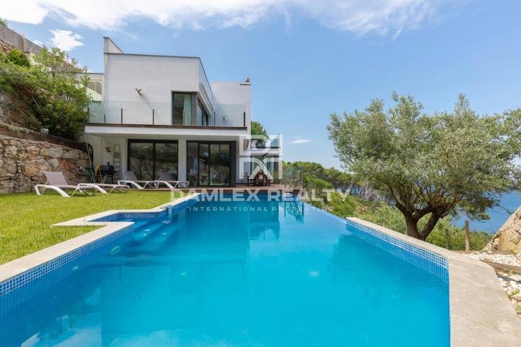 Splendide villa de luxe face à la mer