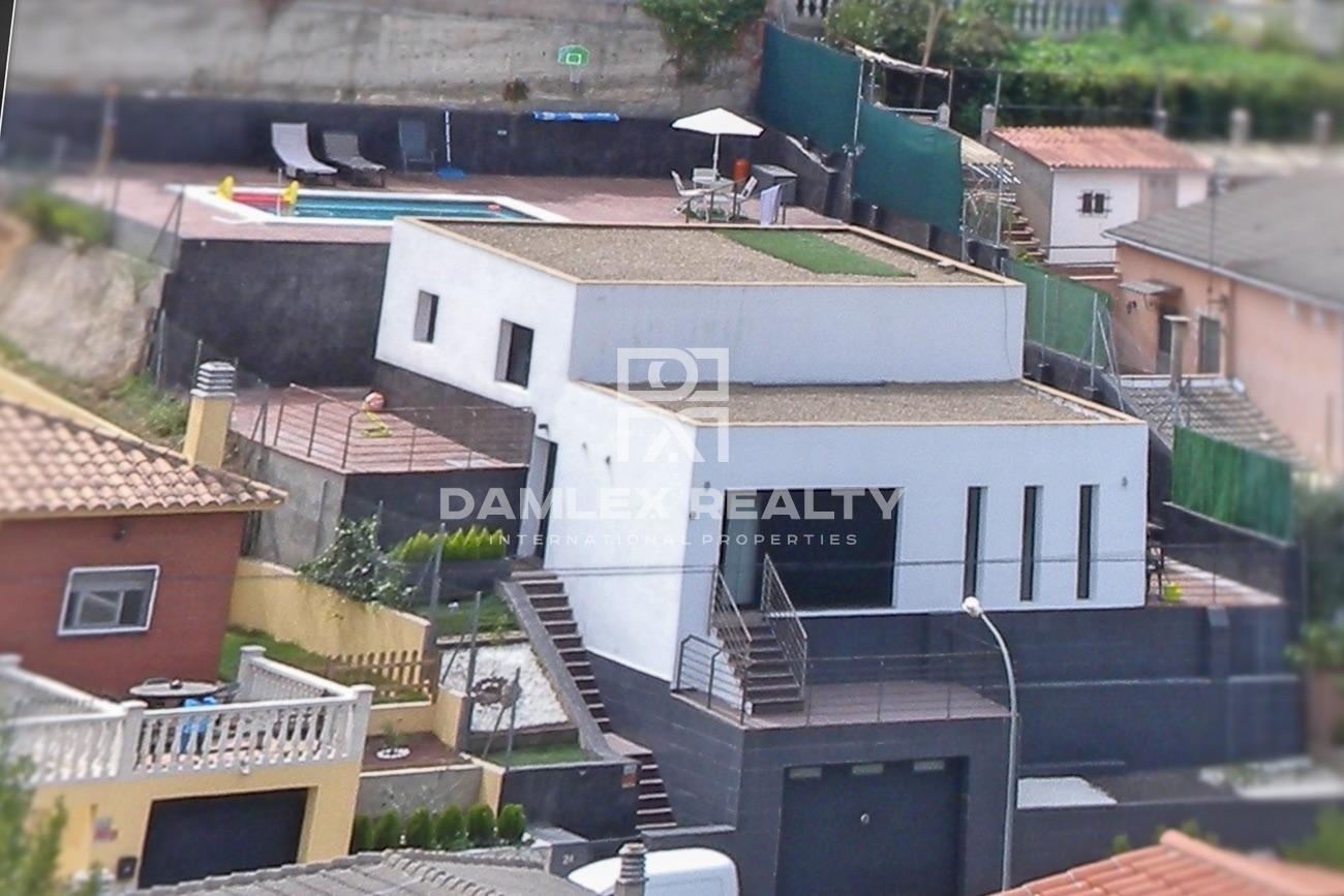 Maison de style moderne avec licence touristique