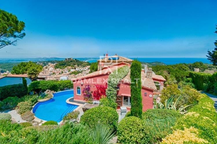 Villa confortable avec de magnifiques vues sur la mer à Begur