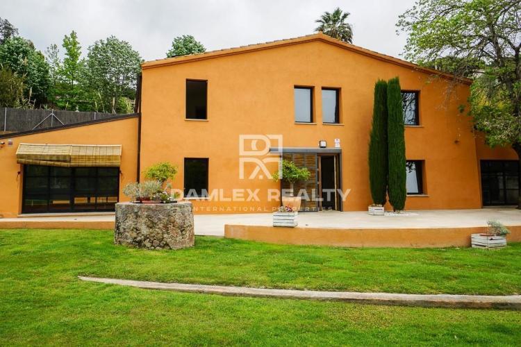 Maison / Villa avec 5 chambres, terrain 3000m2, a vendre á Cabrils, Côte Nord de Barcelone