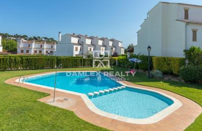 Maison / Villa avec 4 chambres, terrain m2, a vendre á Calonge, Costa Brava