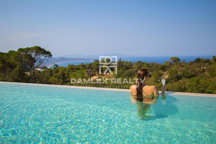 Villa 49, Villa ultramoderne avec vue imprenable sur la mer, Costa Brava