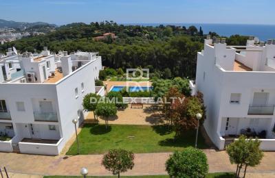 Maison / Villa avec 4 chambres, terrain m2, a vendre á Lloret de Mar, Costa Brava