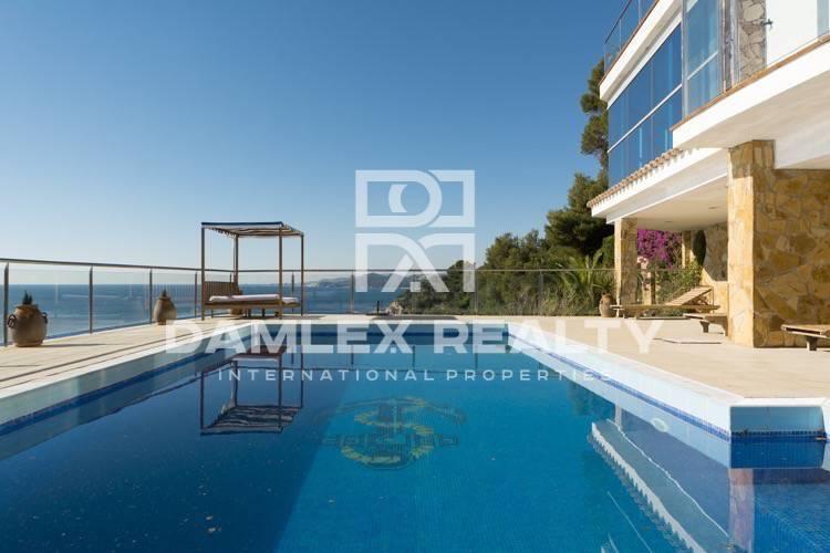 Maison / Villa avec 5 chambres, terrain 7500m2, a vendre á Lloret de Mar, Costa Brava