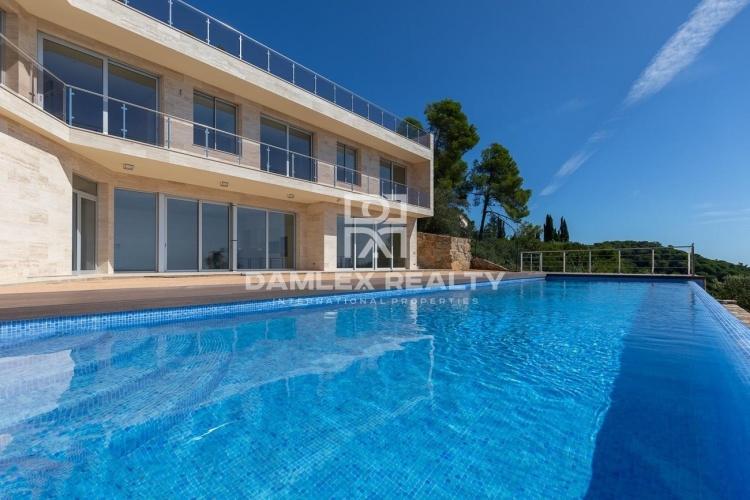 Villa de luxe dans l`urbanisation Santa Maria de Llorell