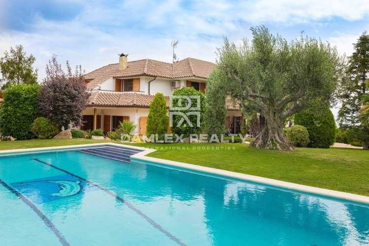 Villa de luxe dans la prestigieuse urbanisation Can Teixido