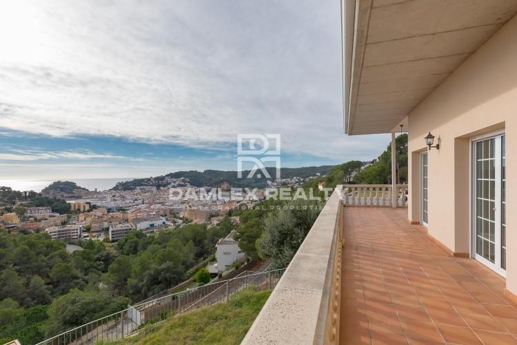 Maison avec une belle vue sur la baie de Tossa de Mar