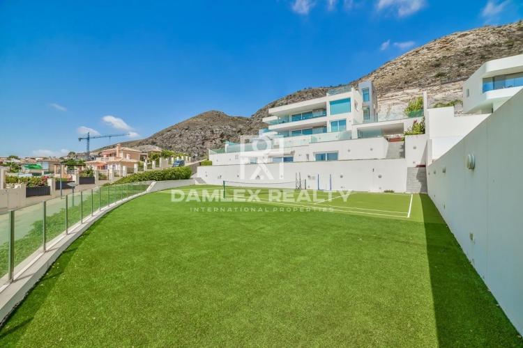 Villa avec vue panoramique sur la mer et 2 appartements d`hôtes à Sierra Cortina Finestrat, Benidorm / Alicante