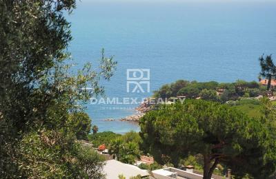 Terrain avec vue panoramique sur la mer, à Cala Sant Francesc, Blanes