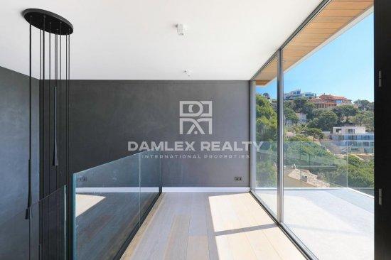 Villa moderne et luxueuse avec vue mer panoramique