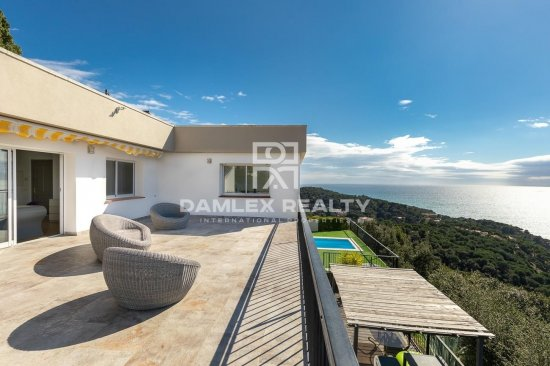 Villa vue mer spectaculaire avec licence touristique