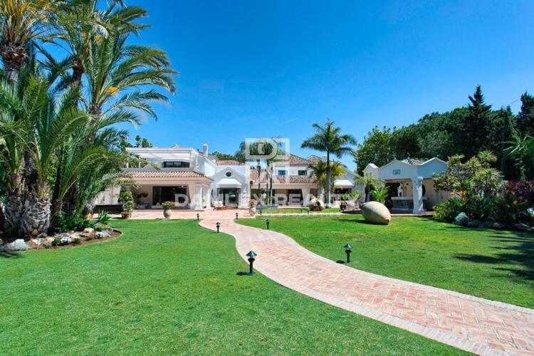 Maison / Villa avec 11 chambres, terrain 5790m2, a vendre á Golden Mile, Costa del Sol