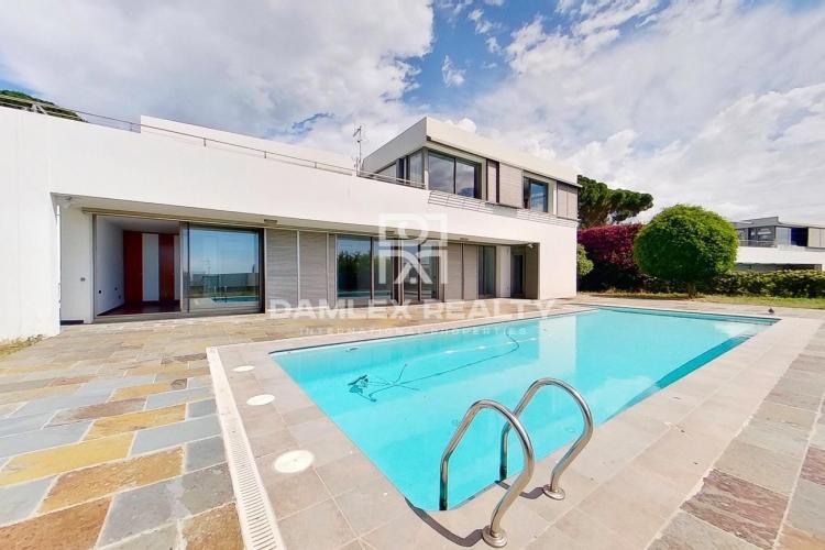 Villa moderne de nouvelle construction à 5 min à pied de la plage
