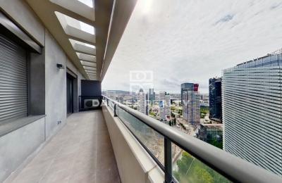 Appartement dans un immeuble neuf à Barcelone avec vue panoramique sur la ville