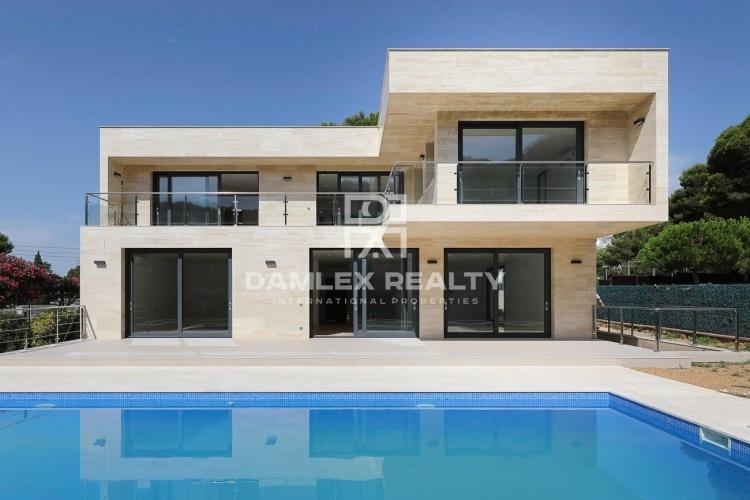 Villa neuve à Platja d`Aro près de la plage