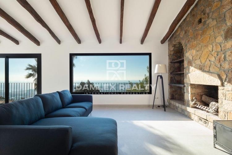 Charmante villa entièrement rénovée avec vue imprenable sur la mer et proche de Platja de Aro