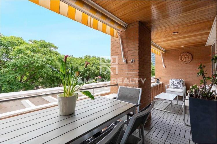 Appartement design rénové et grande terrasse en front de mer à Barcelone