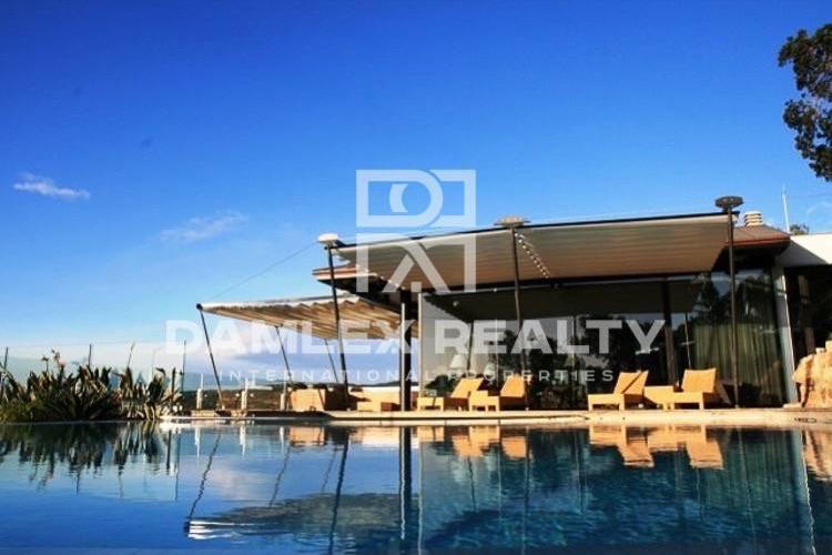 Maison / Villa avec 6 chambres, terrain 1660m2, a vendre á Lloret de Mar, Costa Brava
