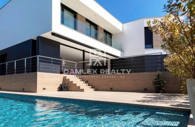 Villa design à Platja d`Aro, construite en 2020