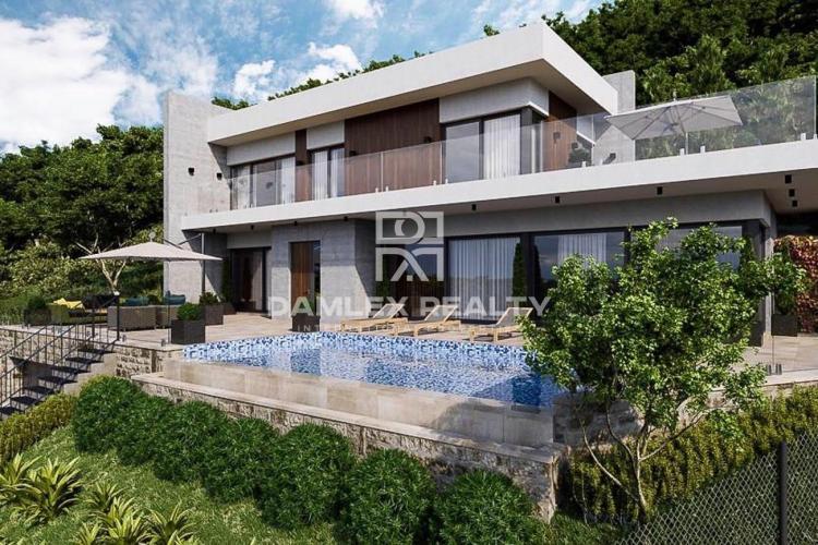 Maison moderne en construction, à Platja d`Aro