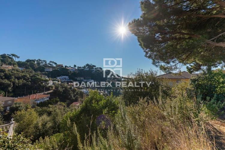 Terrain de 900 m2 dans l`urbanisation Serra Brava pour la construction d`une maison individuelle