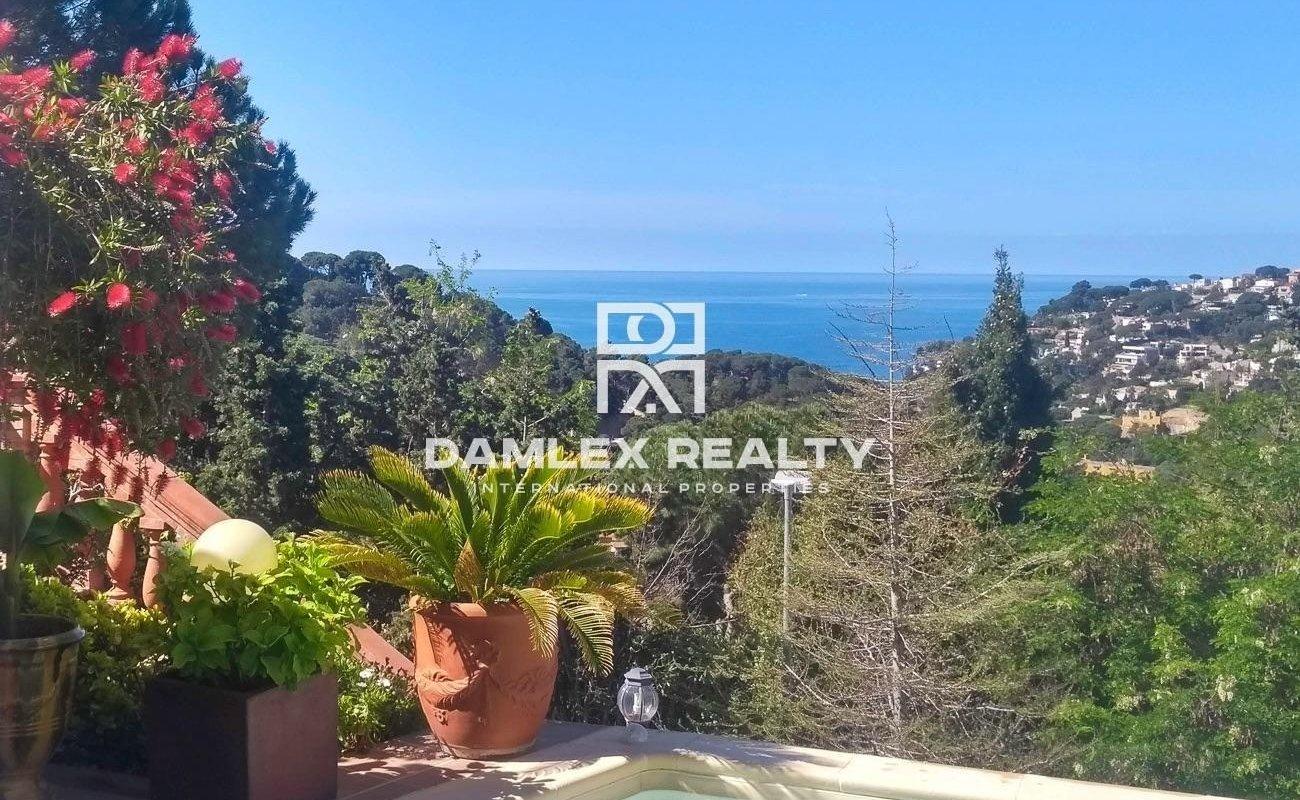 Superbe Maison a 1km de la plage de Cala Canyelles