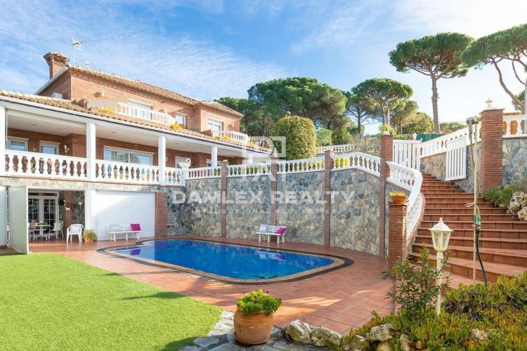 Magnifique maison sans vis à vis dans une urbanisation proche de Lloret de Mar
