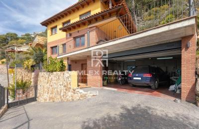 Maison avec vue panoramique sur la mer dans l`urbanisation Roca Grossa