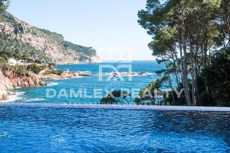 Maison / Villa avec 8 chambres, terrain 2200m2, a vendre á Begur, Costa Brava