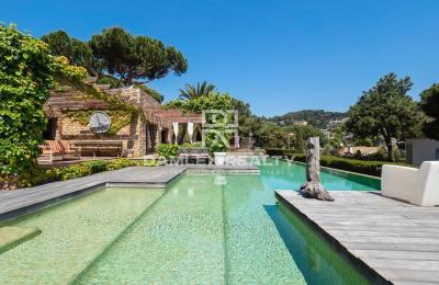 Villa élégante près de la plage dans la prestigieuse urbanisation Cala Sant Francesc