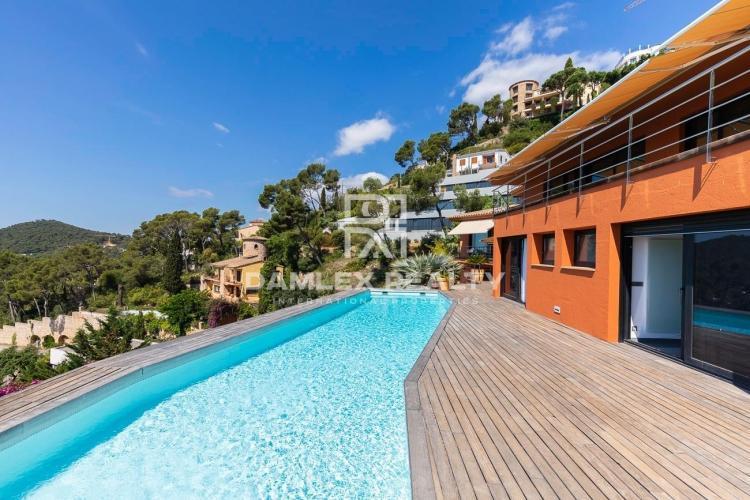 Merveilleuse propriété de luxe située sur à Aiguablava!
