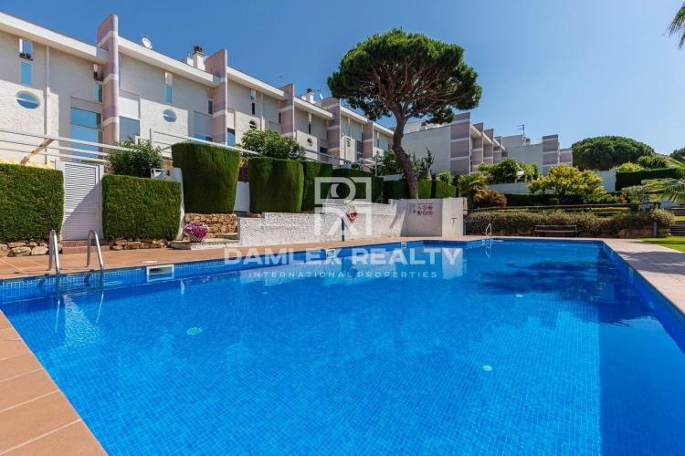 Maison de ville avec vue sur la mer dans un complexe résidentiel, S`Agaró