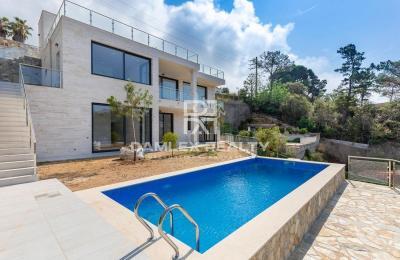 Villa neuve à 800 mètres de la plage de Cala Canyelles