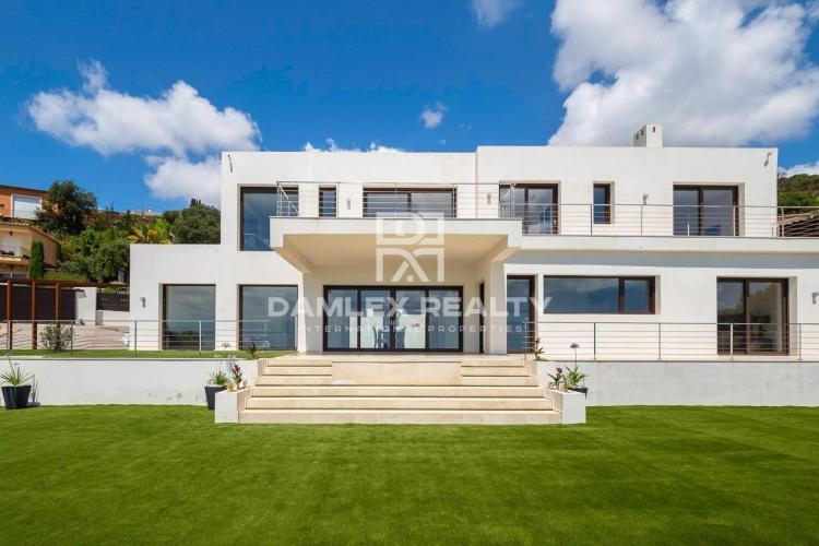 Villa neuve de luxe avec vue mer panoramique
