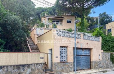 Villa avec vue sur la mer dans l`urbanisation Serra Brava