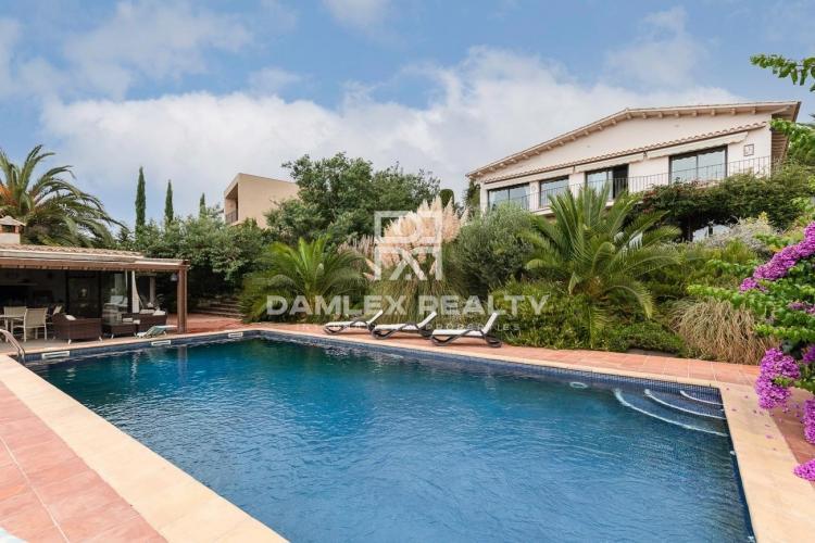 Belle Villa avec vue sur la mer Méditerranée - à Mas Nou