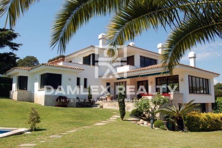 "Maison / Villa avec 5 chambres, terrain 1550m2, a vendre á S""Agaró, Costa Brava"