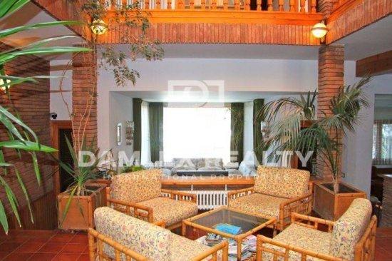 Maison / Villa avec 6 chambres, terrain 2000m2, a vendre á Blanes, Costa Brava
